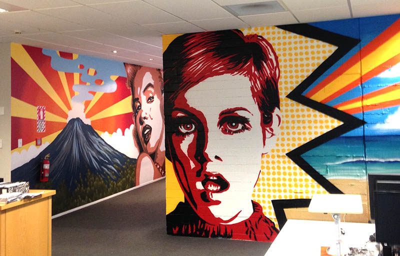 Twiggy pop art mural